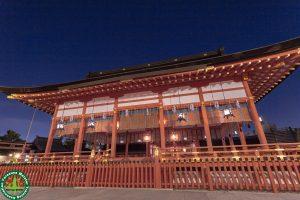 深夜の伏見稲荷大社を撮影してきました。